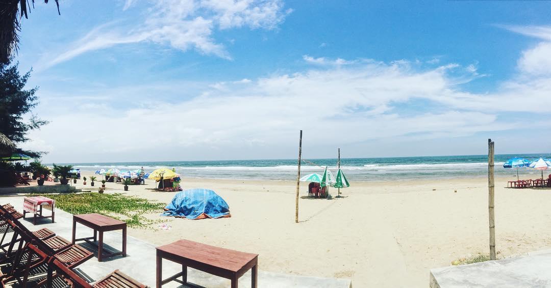 Biển Hải Hòa - một trong năm bãi biển Đà Nẵng 02