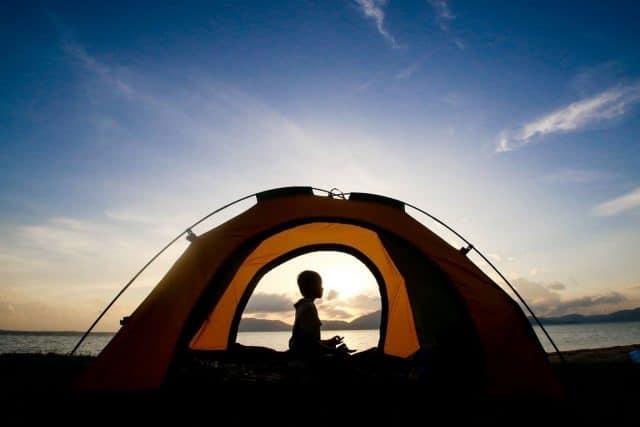 Cắm trại qua đêm ở bãi biển Thuận An
