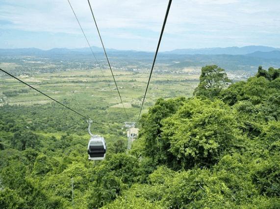 Cáp treo trên núi Chứa Chan (Ảnh ST)