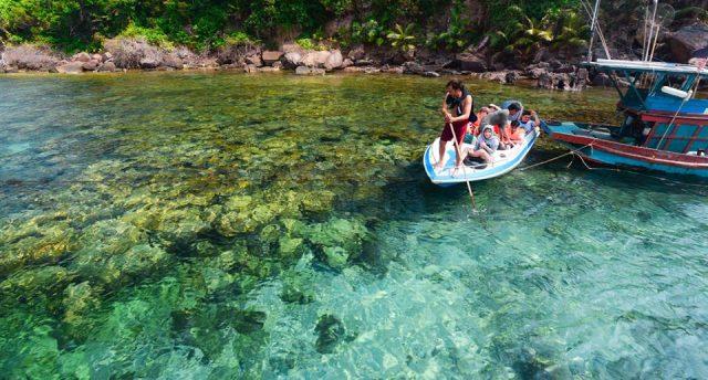Câu cá trên hòn Móng Tay