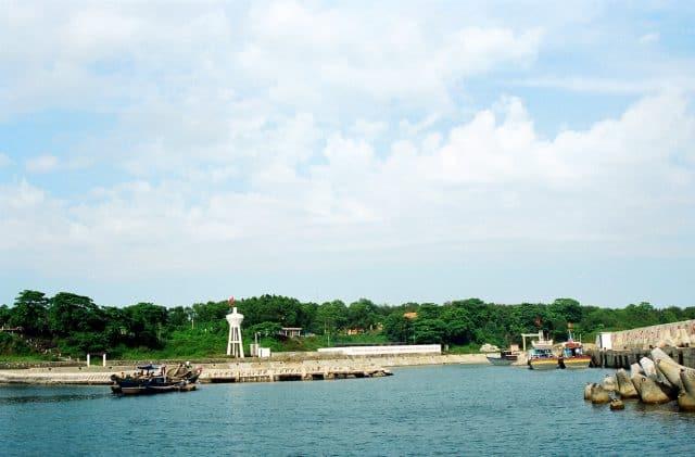 Đảo Cồn Cỏ gần Cửa Tùng