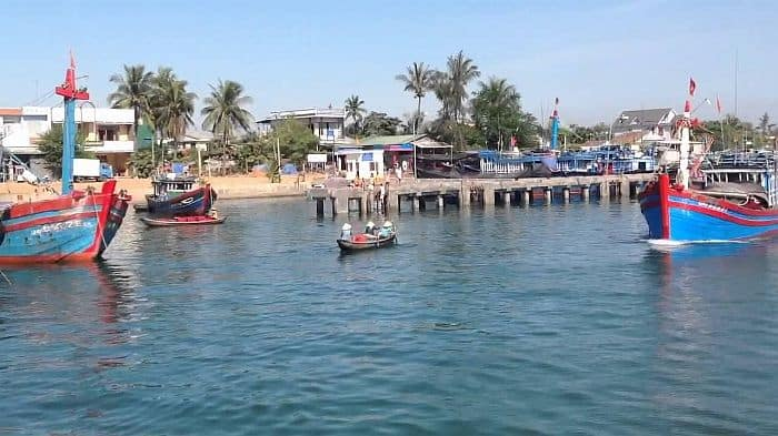 Toàn bộ khung cảnh ở cửa biển Sa Cần. (Ảnh ST)