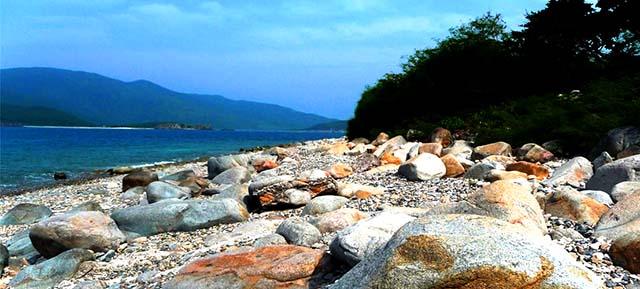 Bãi đá trên đảo Cồn Cỏ