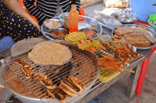 Các món ăn vặt trên xã đảo Thạnh An (Ảnh ST)