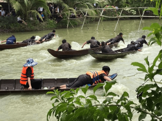 Trò chơi trong khu du lịch Phú An Khang (Ảnh ST)
