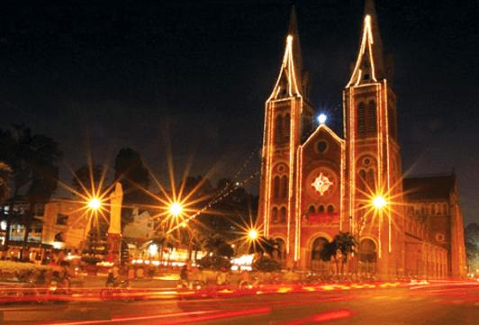 Sài Gòn trong ngày lễ giáng sinh (Ảnh ST)