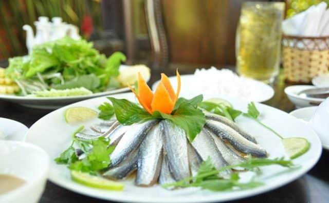 Gỏi cá trích - Đặc sản dân dã tại Phú Quốc