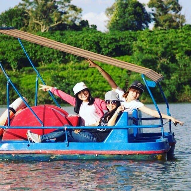 Du ngoạn cảnh đẹp Hồ Nam Phương