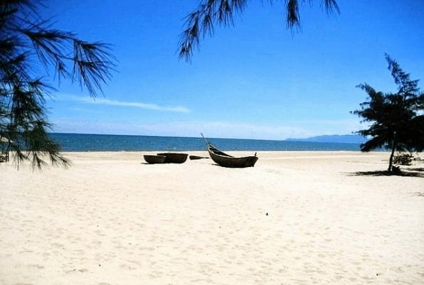 Vẻ đẹp thơ mộng của Hồ Tràm (Ảnh ST)