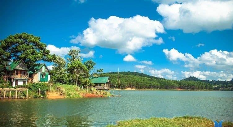 Hồ Tuyền Lâm
