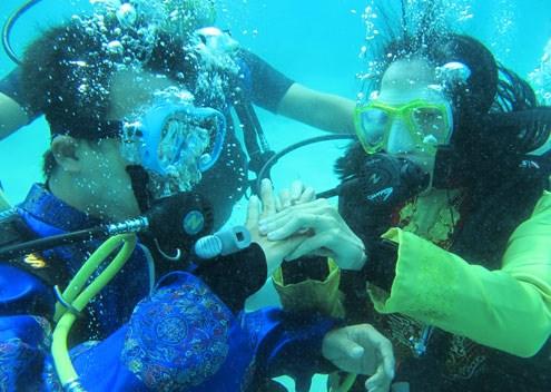 Lặn biển ngắm san hô ở đảo Hòn Mun