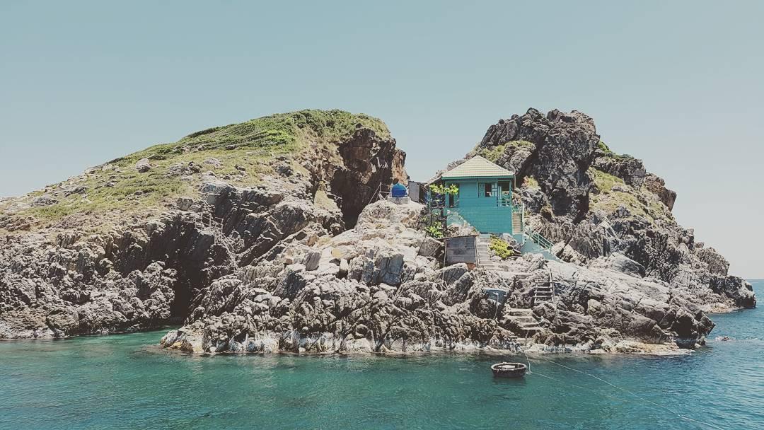 Một ngôi nhà xinh xắn trên đảo nhỏ ở Hòn Mun