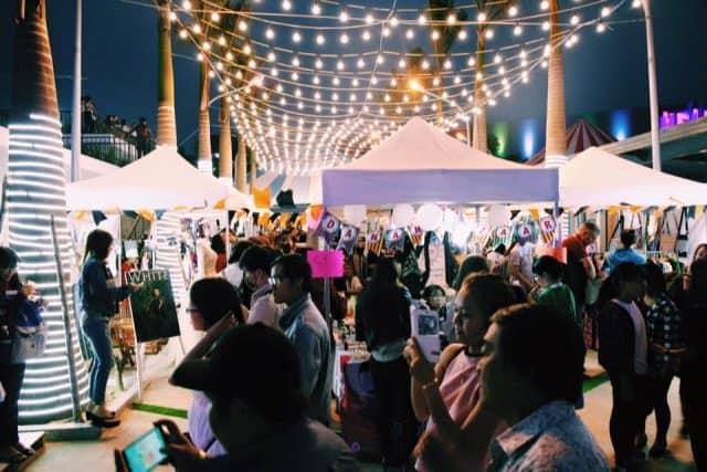 Hệ thống đèn ở chợ phiên Đà Nẵng