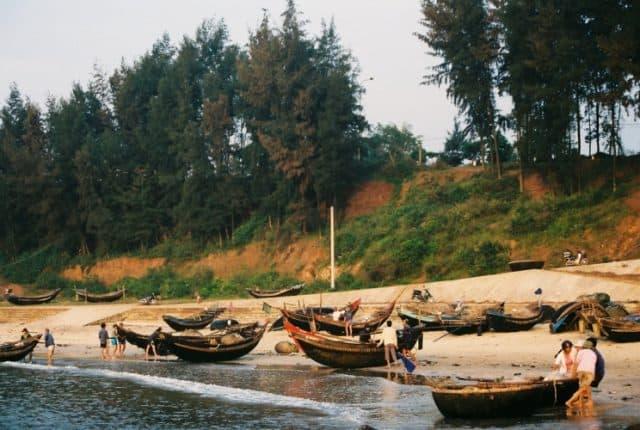Làng chài ven biển Cửa Tùng ở Quảng Trị