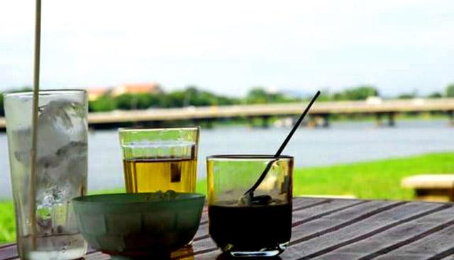 Địa điểm vui chơi ở Huế - Thưởng thức cafe bên dòng sông Hương