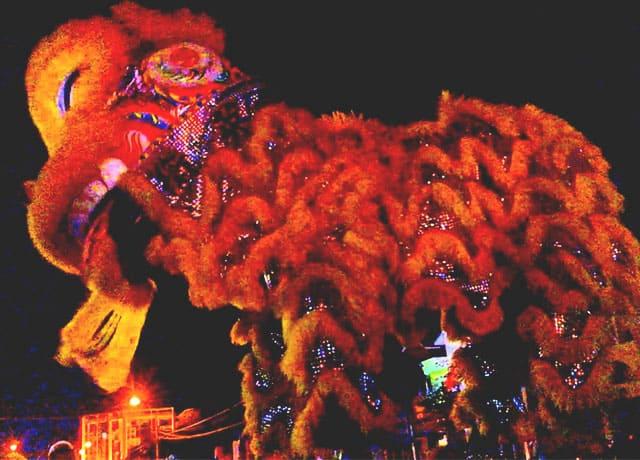 Vui chơi trung thu cùng lân Hồng Hoa Hội