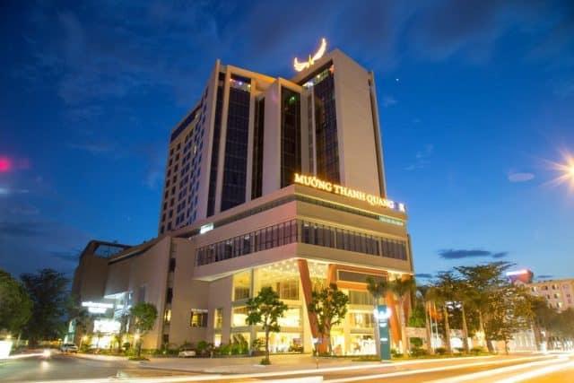 Khaacsh sạn gần biển Cửa Tùng