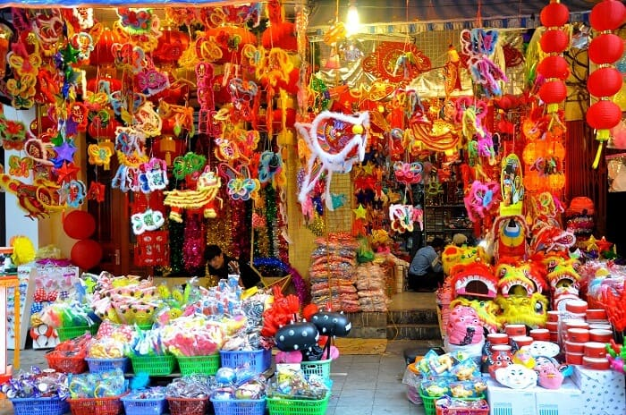 Ngập tràn các món đồ chơi trung thu trên phố Hàng Mã