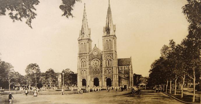 nhà thờ Đức Bà - Biểu tượng đẹp của thành phố