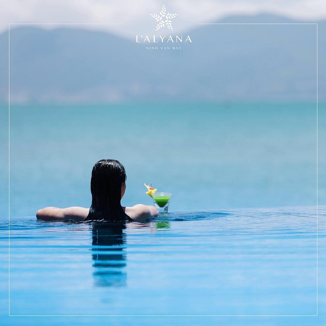 Thư giãn ở những bể bơi vô cực (Ảnh: ST)