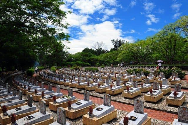 Nghĩa trang Trường Sơn - địa điểm du lịch quanh biển Cửa Tùng