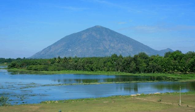 Núi Bà Đen (Ảnh ST)