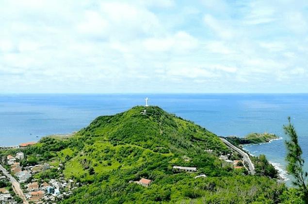 Núi Nhỏ là địa danh nổi tiếng ở Vũng Tàu (Ảnh ST)