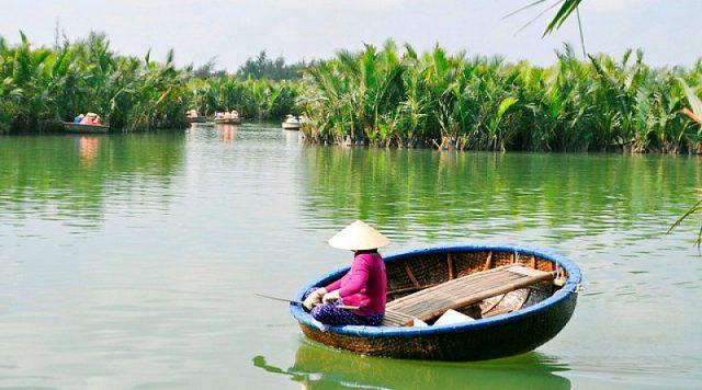 Trải nghiệm thú vị tại rừng dừa Bảy Mẫu Hội An