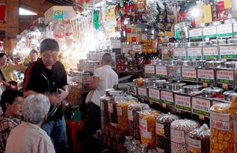 Sạp bán cà phê trong chợ Bến Thành (Ảnh ST)