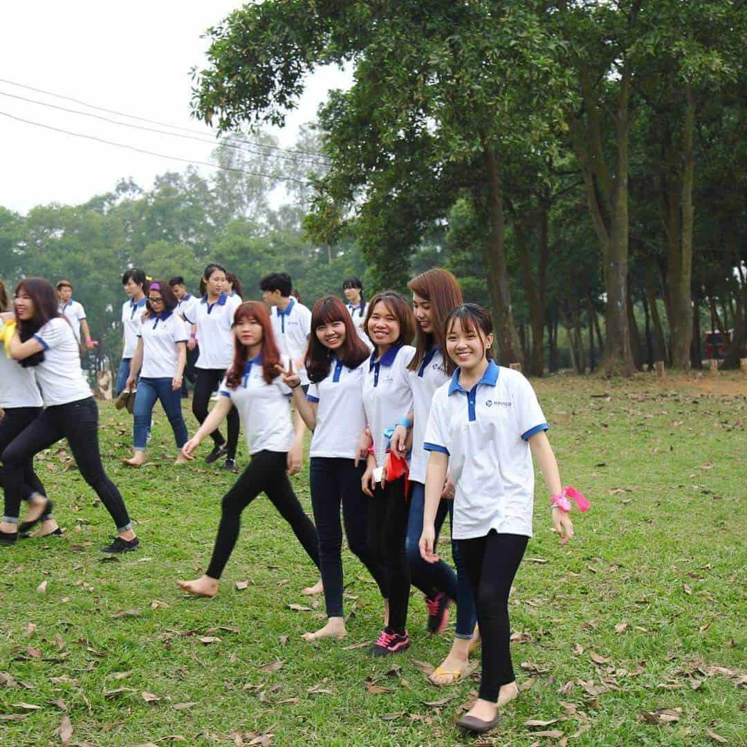Hoạt động teambuilding ở Sơn Tinh Camp