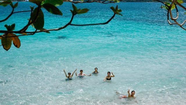 Tắm biển hòa mình cùng thiên nhiên tại hòn Móng Tay Phú Quốc
