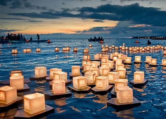 Đèn hoa đăng trở ước nguyện đi xa