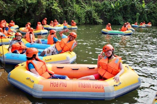 Trượt thác nước ở Hòa Phú Thành Đà Nẵng