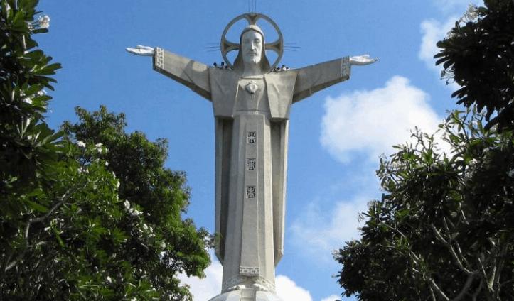 Bức tượng Ki Tô là điểm đến lý tưởng của nhiều du khách (Ảnh ST)