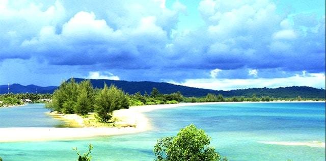 Vũng Bầu nằm ở phía Tây Bắc Phú Quốc