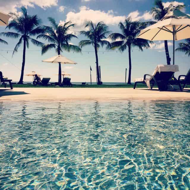 Hồ bơi The Shells Resort & Spa