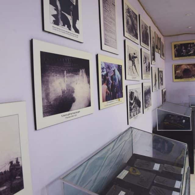 Khu trưng bày với nhiều hiện vật còn nguyên giá trị lịch sử