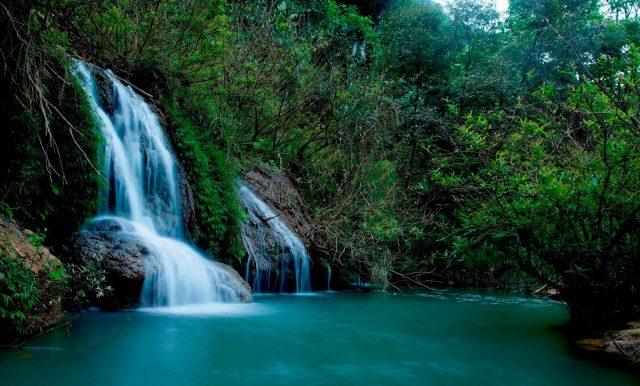 Vẻ đẹp của thác Dải Yếm qua nhiều góc độ (Ảnh: Sưu tầm)