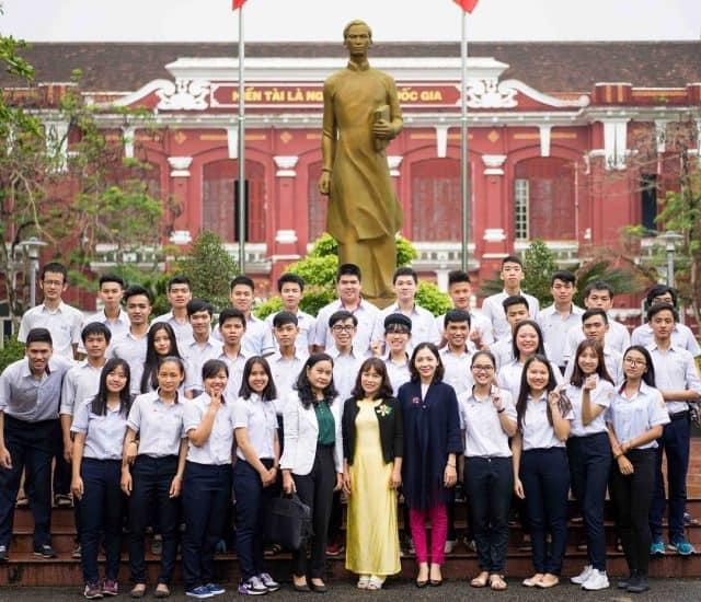 Trường Quốc học Huế 04