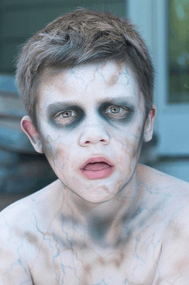 hướng dẫn hóa trang Halloween