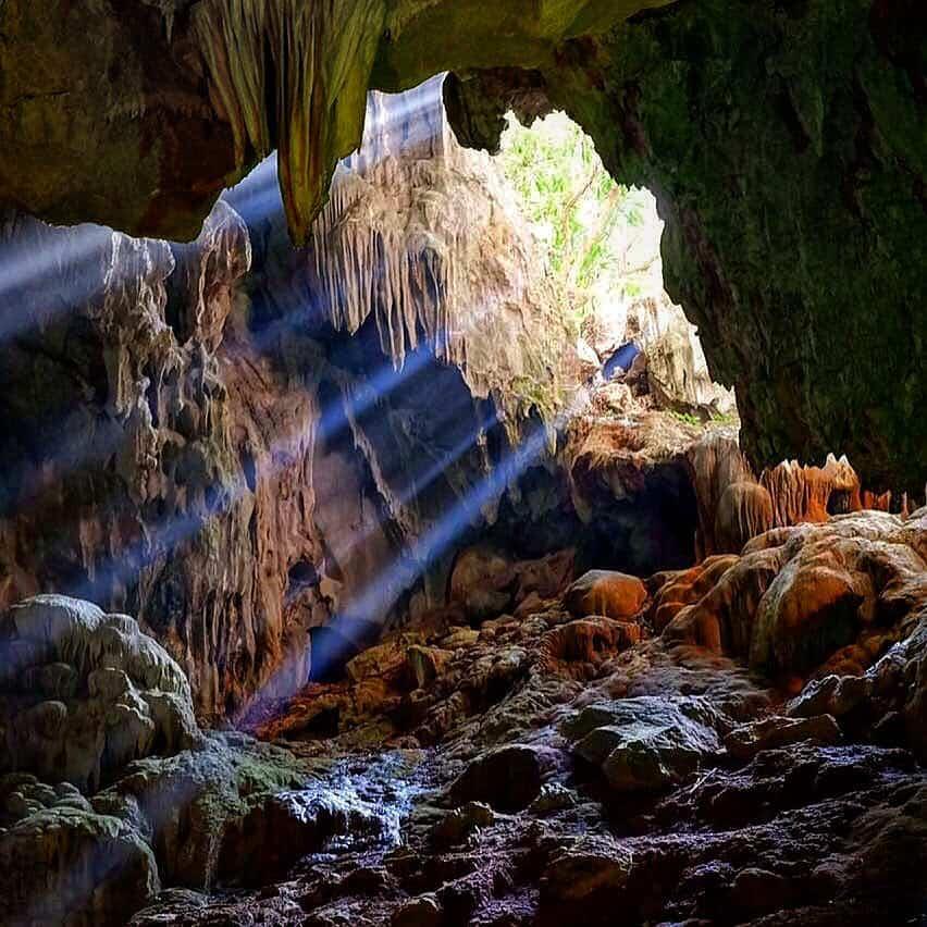 Cửa hang động Thiên Đường