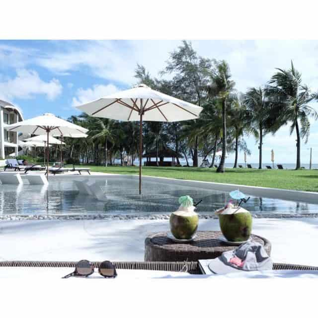 Bể bơi The Shells Resort & Spa