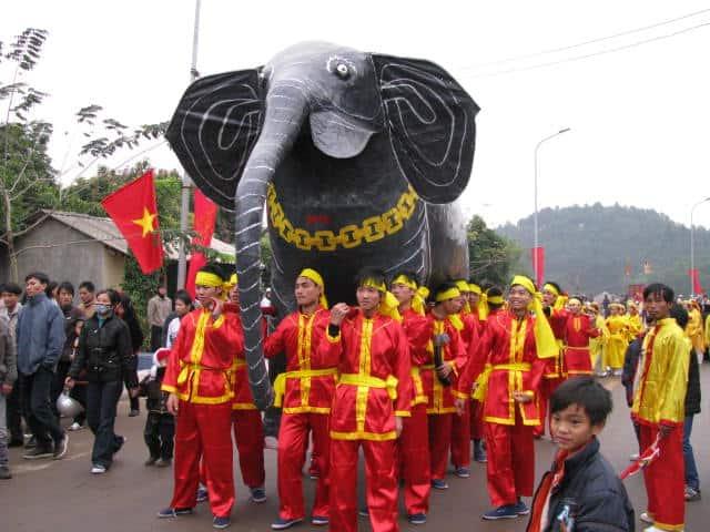 Lễ hội Gióng ở đền Sóc