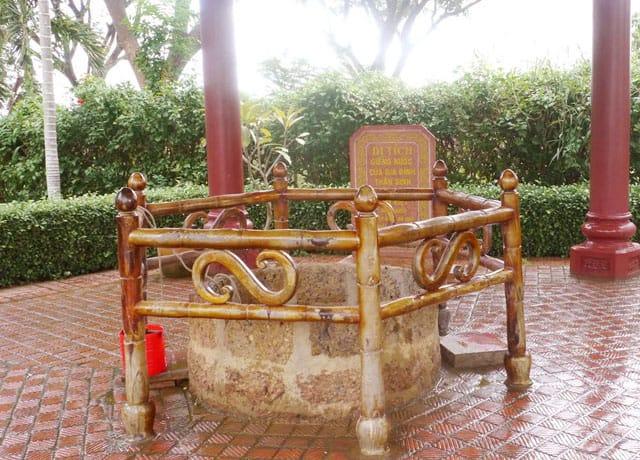 Giếng cổ trước sân nhà cũ Quang Trung (Ảnh: ST)