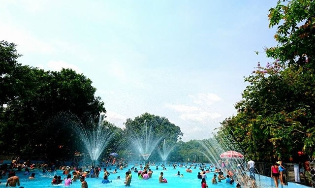 Hệ thống hồ bơi hiện đại thu hút rất nhiều du khách khi đến Thủy Châu