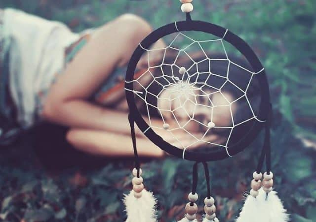 Bùa bình an Dreamcatcher là món quà hallowen cho bạn gái thật là lạ