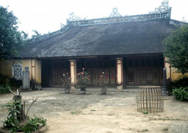Di tích cố đô Huế - Đình Phú Xuân