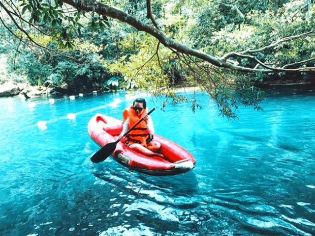 Chèo thuyền Kayak ở suối Nước Moọc 01