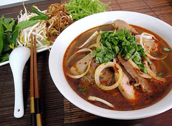 Bún bò Huế Bùi Thị Xuân là một quán ăn ngon ở quận 1 (Ảnh ST)
