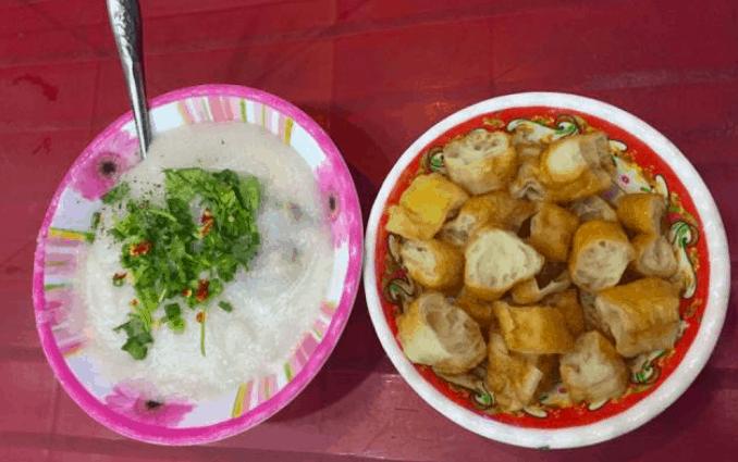 Đồ ăn vặt ngon trong chợ Tân Định (Ảnh ST)
